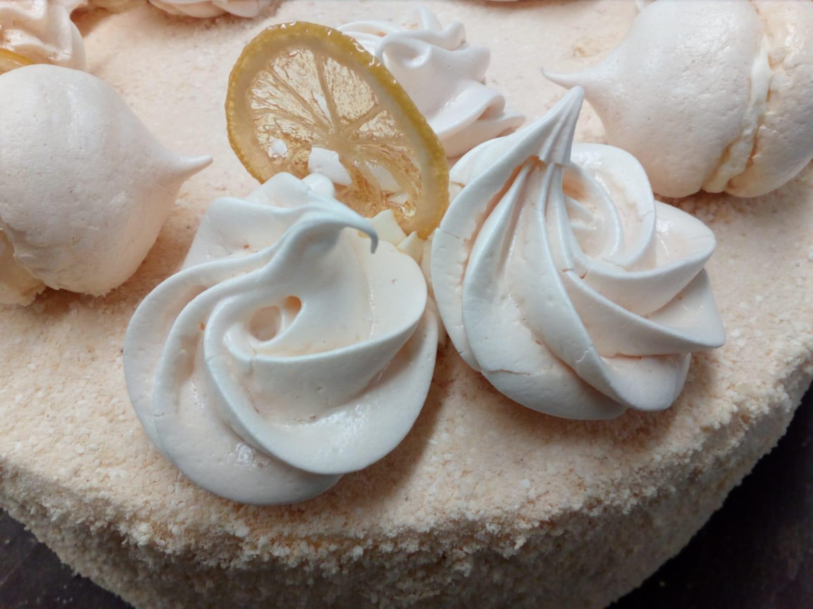 tortas su citrinomis